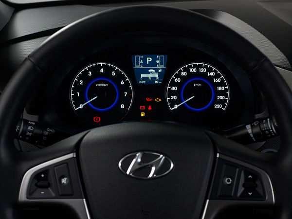 Hyundai Solaris (хэтчбек) панель