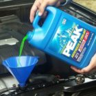 Как заменить охлаждающую жидкость в автомобиле