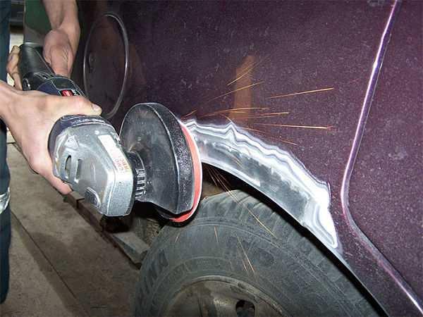 Удаление ржавчины на кузове автомобиле