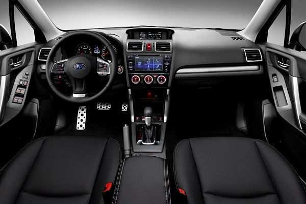 Subaru Forester салон