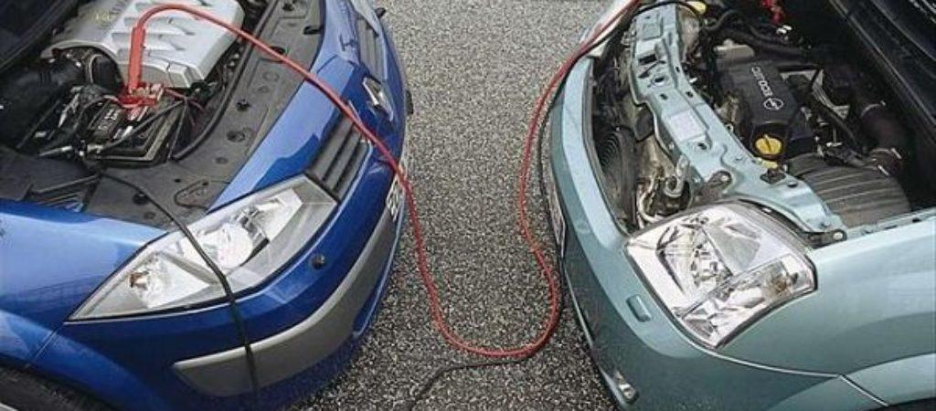 Как прикуривать автомобиль от аккумулятора другой машины