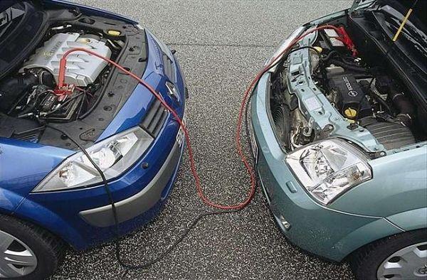 Прикурить автомобиль Как сделать это правильно
