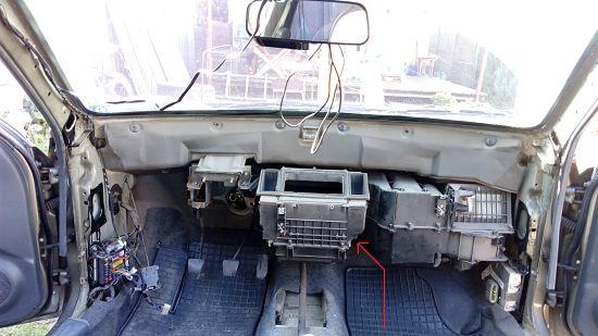 так выглядит салон Chevrolet Lanos после демонтажа торпеды
